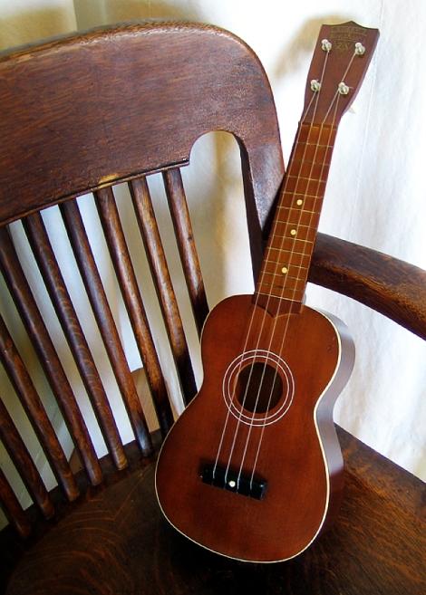 bobby_henshaw_ukulele